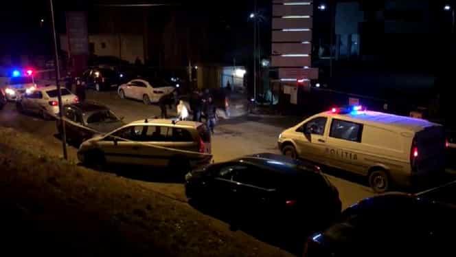 Cadavrul unei femei a fost descoperit într-o mașină din Bacău. Tânăra de 30 de ani ar fi fost ucisă de soț