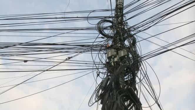 Aproape 200 de localități fără curent electric, în România! 4 județe din țară, fără lumină