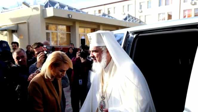 Ce cadou a primit primarul Gabriela Firea de la Patriarhul Daniel