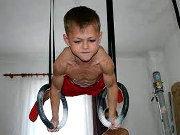 Cum arată acum micul Hercule! Ce s-a întâmplat cu Giuliano Stroe FOTO
