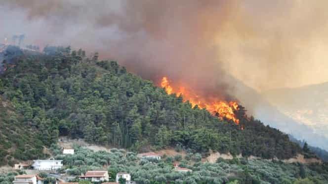Alertă pentru turiştii români din Grecia. Pericol maxim de incendii. Anunţul MAE