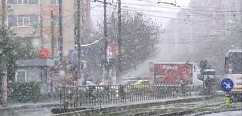 Ninsoare în București! Cât va ține vremea rece în Capitală și în țară