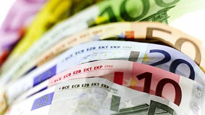 CURS BNR. Euro şi dolarul cresc semnificativ la cursul BNR