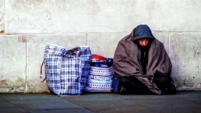 Dormea pe străzi, iar acum este student la una dintre cele mai bune universităţi din lume! Poveste incredibilă!