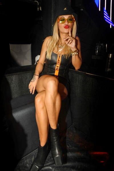 Rita Ora, topless pe yacht cu iubitul