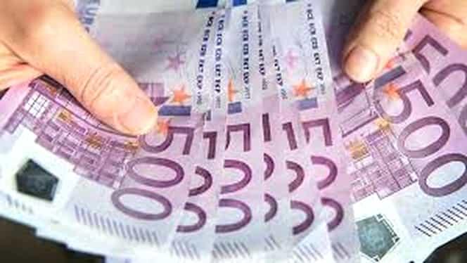 Toaletele unei bănci, înfundate cu bancnote de 500 de euro! Câteva restaurante au aceeaşi problemă!