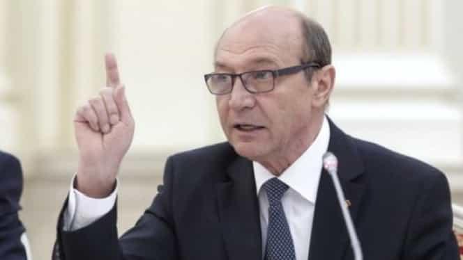 """Primăvara Europeană: Traian Băsescu anunță revoluții peste tot în Europa. Cade Uniunea Europeană? """"Asta ne așteaptă"""""""