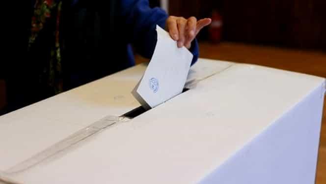 Primele incidente, chiar înainte de votare: Doi șoferi care transportau buletinele de vot au fost prinși beți la volan!