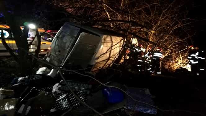 Grav accident în Neamţ! Doi oameni au murit şi alţi şapte au fost răniţi! S-a activat planul roşu de intervenţie