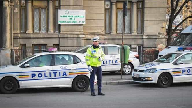 Poliția Capitalei, ținta glumelor pe rețelele de socializare! Se laudă cu amenzile aplicate șoferilor, dar parchează mașina pe trotuar