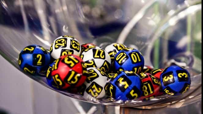 Loteria Crăciunului, loteria Pasivă, 260 de premii de aproape 100.000 de euro