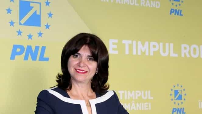 """Ministrul propus al Educației, Monica Anisie, a primit aviz favorabil în Parlament: """"Este exclus să tăiem salariile profesorilor"""""""