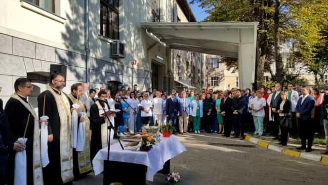 Clinica Marelui Ars de la Iași a fost deschisă doar pentru 24 de ore, cât timp a fost vizitată de ministrul Sănătății, Sorina Pintea. Numărul actual de paturi pentru arși din România