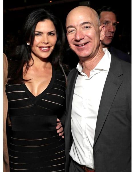 Cum arată femeia care valorează 70 de miliarde de dolari: Lauren Sanchez, noua iubită a șefului Amazon