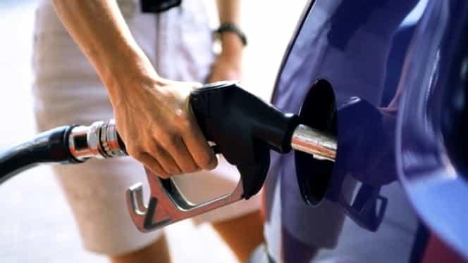 Veşti BUNE pentru şoferi! Carburanţii se IEFTINESC!