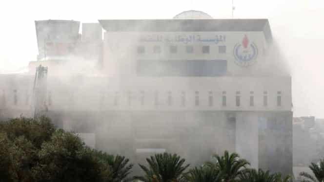 Atentat terorist în Libia, la Ministerul de Externe! Cel puțin o persoană a murit