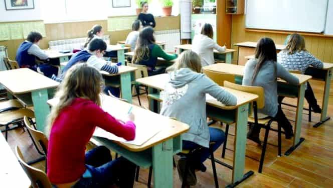 Greșeală colosală făcută de profesori la Simularea Evaluării Naționale. Subiectul la limba română s-a dovedit a fi un fals, atribuit altei persoane