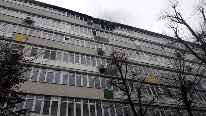 Incendiu violent în Bucureşti, pe Bulevardul Ion Mihalache! O persoană a decedat. VIDEO