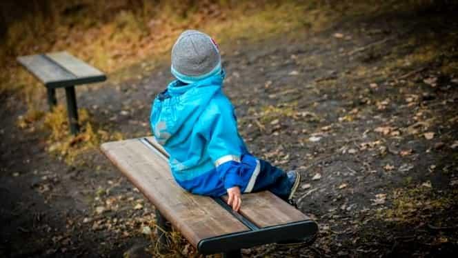 Scrisoarea care a devenit virală, pe internet! Ce le-a scris un copil părinţilor plecaţi la muncă în străinătate