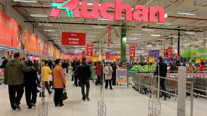 Auchan Titan, evacuat de urgență. Clienții prezenți în centrul comercial au sesizat un miros înțepător