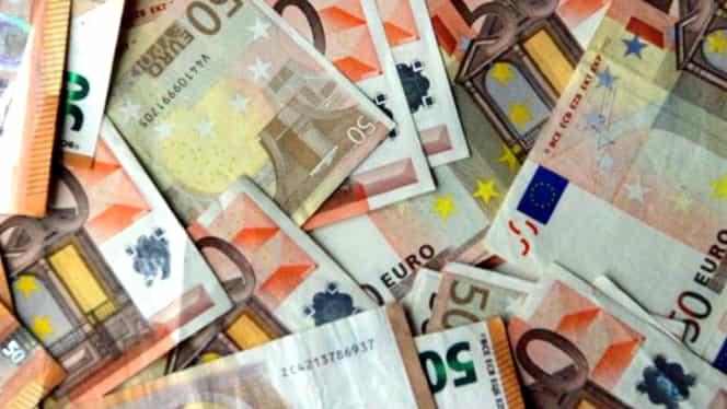 Curs valutar BNR azi, 3 februarie 2020. Ce surprize ne face lira sterlină, imediat după BREXIT