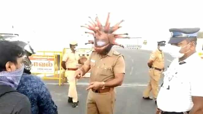 """Masca unui polițist din India, ultimul viral pe internet! """"Eu sunt coronavirus"""""""