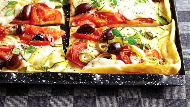 Rețeta Zilei de 3 noiembrie: clătite cu legume și mozzarella la cuptor