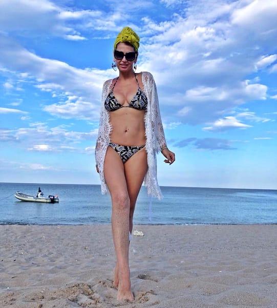 """Andreea Bănică, imagine indecentă din vacanță! """"Cool sau nu, ești totuși mămică!"""""""