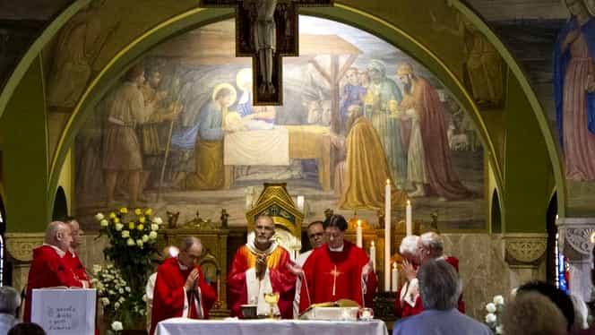 """Cel puțin 18 preoți au murit din cauza coronavirusului în Italia: """"Ne plimbăm prin spitale ca niște zombi"""""""