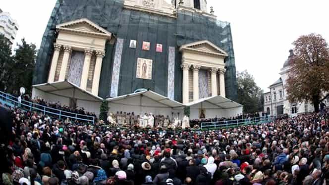 Pelerinajul Sfintei Parascheva. Câți români vor merge la Iași să atingă moaștele Cuvioasei