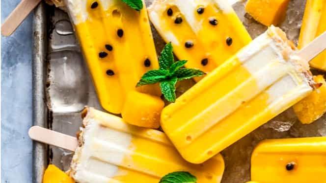 Rețeta zilei. Înghețată pe băț cu mango, fructul pasiunii și cocos