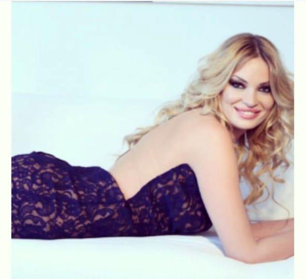 Valentina Pelinel, pozele pe care Cristi Borcea le-ar vrea şterse. Cum se fotografia în America, înainte de căsătorie