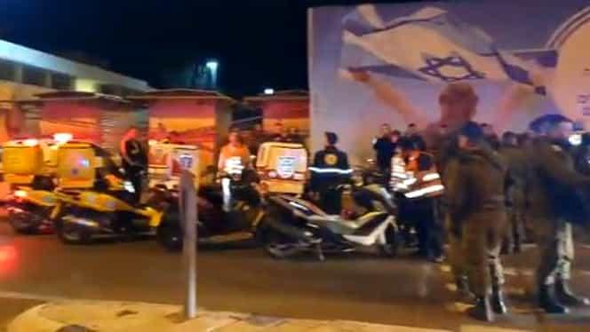 Atac terorist în Ierusalim. Un tânăr a intrat cu mașina într-un grup de oameni. 14 persoane au fost rănite
