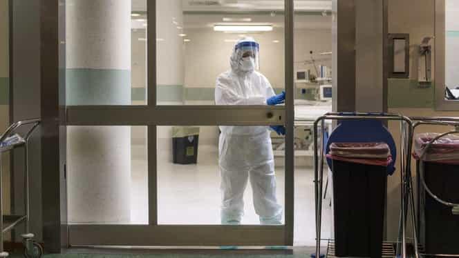 Grupa de vârstă cu cele mai multe cazuri de coronavirus din România. Femeile, mai afectate decât bărbații