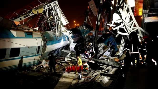 Grav accident feroviar în Turcia. Zeci de vicitime, după ciocnirea a două trenuri FOTO+VIDEO