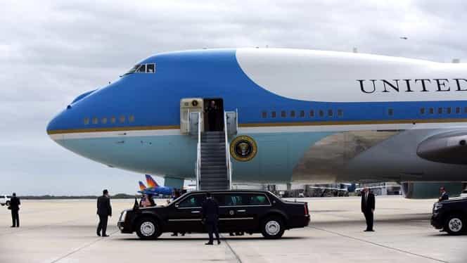 Panică la Casa Albă. Donald Trump a călătorit în Air Force One cu un congresman care a intrat în contact cu o persoană infectată cu COVID-19