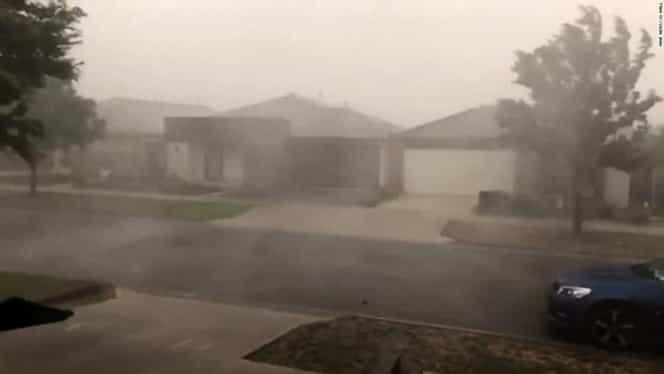 A început ploaia în Australia! Oamenii sunt în culmea fericirii, chiar dacă incendiile nu pot fi stinse încă VIDEO
