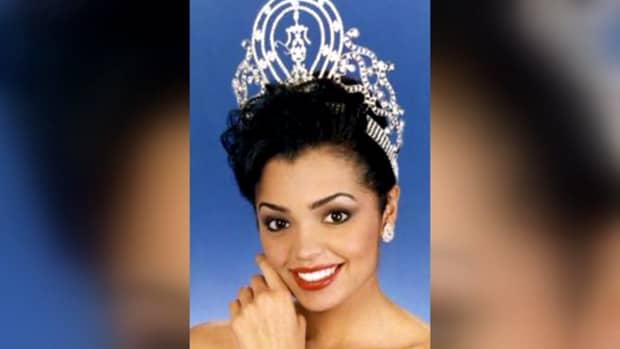Chelsi Smith, fostă Miss SUA, a încetat din viață la doar 45 de ani!