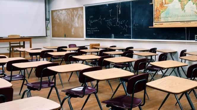 Elevii ar putea găsi școlile închise, luni! Decizia luată de Guvernul Orban, contestată de sindicate