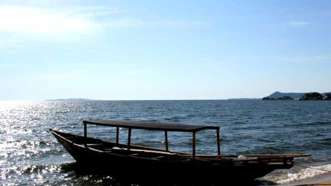 Peste 200 de morți în urma scufundării unui feribot în Lacul Victoria