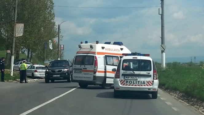 Accident grav pe DN 1. Un bărbat s-a aruncat dintr-un autocar aflat în mers și a murit