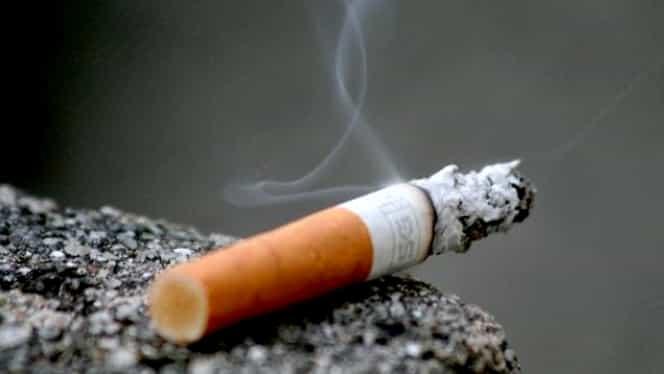 Amenzi uriașe pentru mucurile de țigări aruncate pe jos! Suma ajunge și până la 5000 de lei