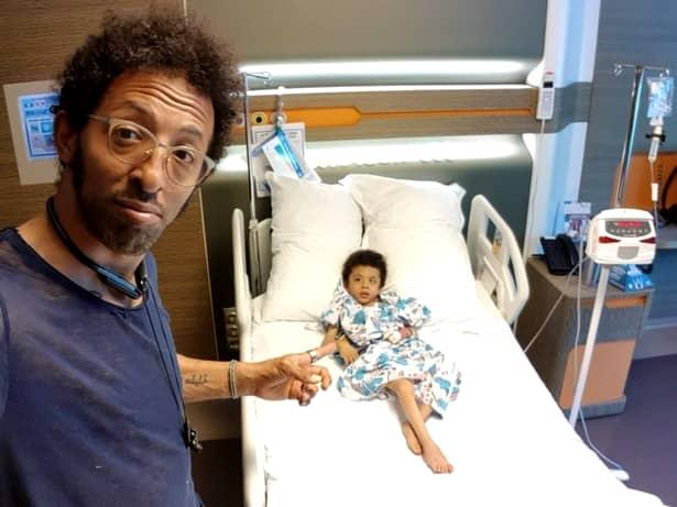 Fiul lui Kamara, supus unui transplant de celule stem. Ce boală are băiețelul