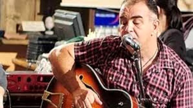 Lumea muzicii, din nou în doliu! Cântărețul Cezar Dinescu a murit într-un accident cumplit, după ce un mal de pământ s-a surpat, iar artistul a căzut în râul Ialomița.