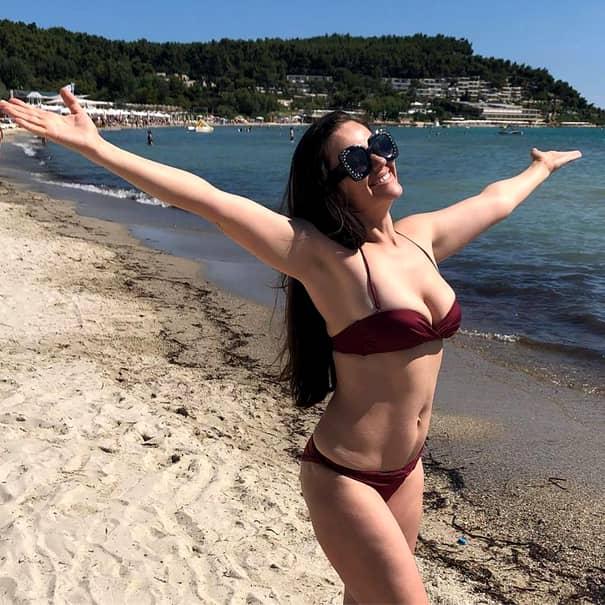 """Cristina Șișcanu, sexy în costum de baie, după ce a fost criticată dur! """"Așa am voie?"""""""
