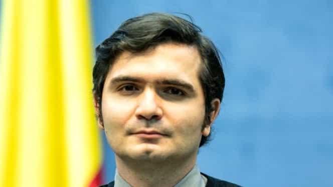 """Bogdan Anicescu, interpretul conferințelor de la Ministerul de Interne, mesaj pentru populație: """"Stați acasă acum, pentru ca în viitor să ne putem îmbrățișa"""". VIDEO"""