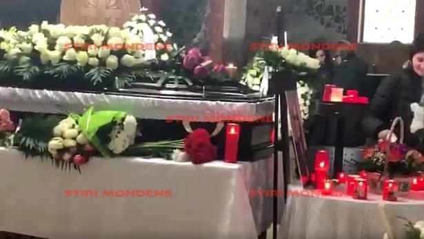 Imagini de la priveghiul Cristinei Țopescu. Trupul neînsuflețit al jurnalistei, depus la Capela Cimitirului Bellu. Cenușa va fi aruncată undeva în București
