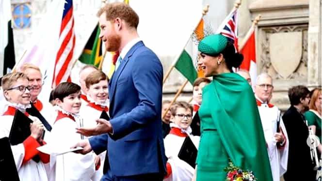 Cum s-au îmbrăcat Ducii de Sussex la ultima apariție în calitate de membri seniori ai familiei regale. Meghan Markle a atras toate privirile