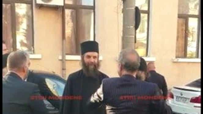 Călugări și preoți, invitații lui Gigi Becali la nunta fiicei! Unul este pustnic de 40 de ani