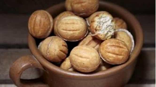 Rețeta zilei de marți, 7 ianuarie. Nuci umplute cu cremă de cacao